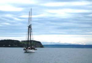 The Schooner Adventuress approaching Coupeville